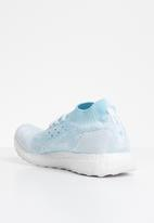 adidas Performance - Ultraboost uncaged -  icey blue / cloud white