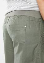 edit Plus - Linen capri pants - khaki green