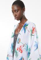 Joy Collectables - Tribal tie front kimono - white
