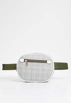 Superbalist - Check waist bag - khaki & white