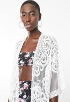 Lithe - Lace kaftan - white