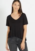 Cotton On - Madeline chop tee - black