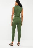 Missguided - Roll neck skinny rib jumpsuit - khaki green