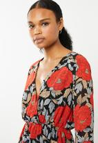 Missguided - Floral day dress - red