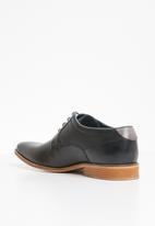 Pringle of Scotland - Elijah leather shoe - black