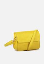Cotton On - Boxy crossbody  bag - yellow