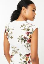 Revenge - Sleeveless floral dress - white