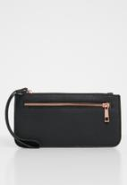 Cotton On - Dusty zip clutch - black & rose gold
