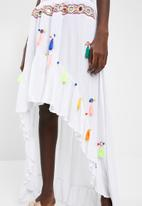 Missguided - Multi tassel mirror skirt - white