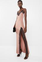 Missguided - Eyelash lace trim maxi dress - pink