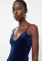 Missguided - Velvet strappy midi dress - navy