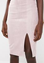 Missguided - Faux suede side split midi skirt - pink