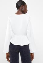 Missguided - Flute sleeve blouse peplum - white
