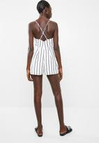 Missguided - Stripe cami wrap playsuit - white