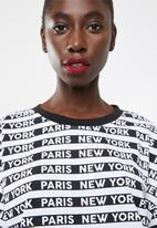 Missguided - Oversized short sleeve T-shirt dress new york - black