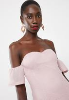 Missguided - Bonded fishnet bardot midi dress - pink