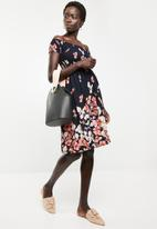 Revenge - Cap sleeve floral dress with elasticated bodice - navy