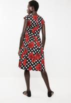 Revenge - Red rose tea dress - black