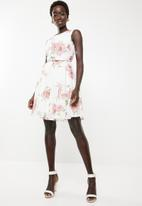 Revenge - Fit & flare sleeveless dress - white & pink