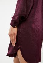 Superbalist - Cut up shirt dress - navy & burgundy