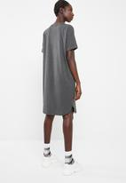 Superbalist - Striped T-shirt dress with rolled sleeve - Light grey melange