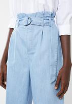 Superbalist - Soft denim pants with tie belt - blue