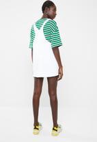 Superbalist - Denim dungaree dress - white