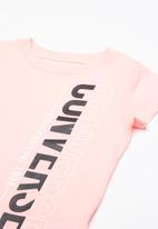 Converse - Vertical split tee - pink