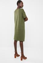 Superbalist - Kangaroo pocket t-shirt dress - khaki