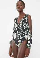 Superbalist - Flower cold shoulder twofer bodysuit - black