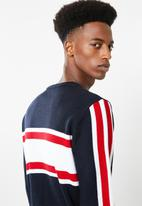 Superbalist - Sporty crew pullover knit - navy & red