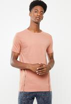 Brave Soul - Falcon short sleeve tee - pink