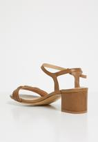 Butterfly Feet - Una open toe heels - tan
