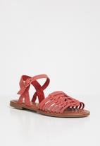 Jada - Faux leather sandals - red