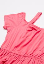 Rebel Republic - Cold shoulder dress - pink