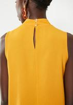 Superbalist - Sleeveless choker blouse - yellow