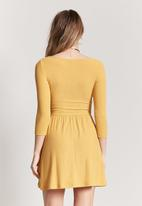 Forever21 - Knit dress with keyhole - yellow