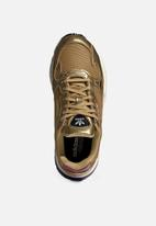 adidas Originals - Falcon - gold & off white