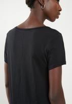Superbalist - Core 2 pack T-shirts - black & grey