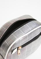 Superbalist - Check waist bag - silver & white