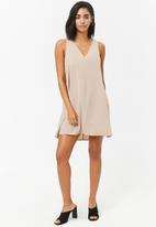 Forever21 - V-neck sleevless dress - cream