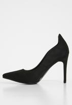 Superbalist - Isa court heel - black
