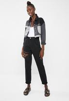 Missguided - Riot hang down rip high waisted mom jean - black