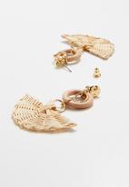 Superbalist - Fan raffia earrings - brown & gold