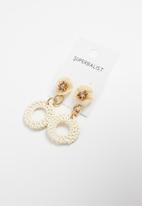 Superbalist - Sabrina raffia earrings - cream & gold