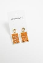Superbalist - Marbled rectangle earrings - gold & orange