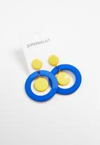 Superbalist - Donna circle earrings - yellow & blue