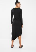 Superbalist - Ruched midi dress - black
