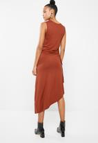 Superbalist - Ruched sleeveless dress - tan