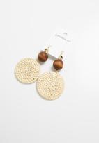 Superbalist - Katie raffia circle earrings - cream & brown